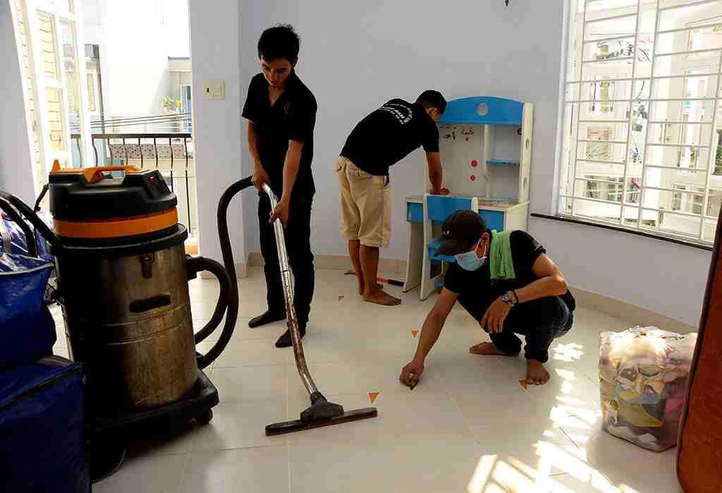 Quy trình vệ sinh sàn của GIA ĐÌNH