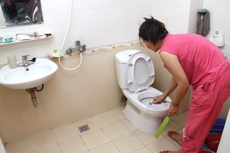 Mẹo khử mùi hôi nhà vệ sinh