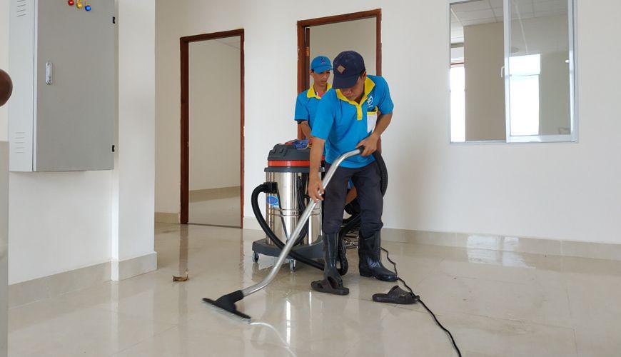 Dịch vụ vệ sinh công nghiệp giá rẻ, uy tín