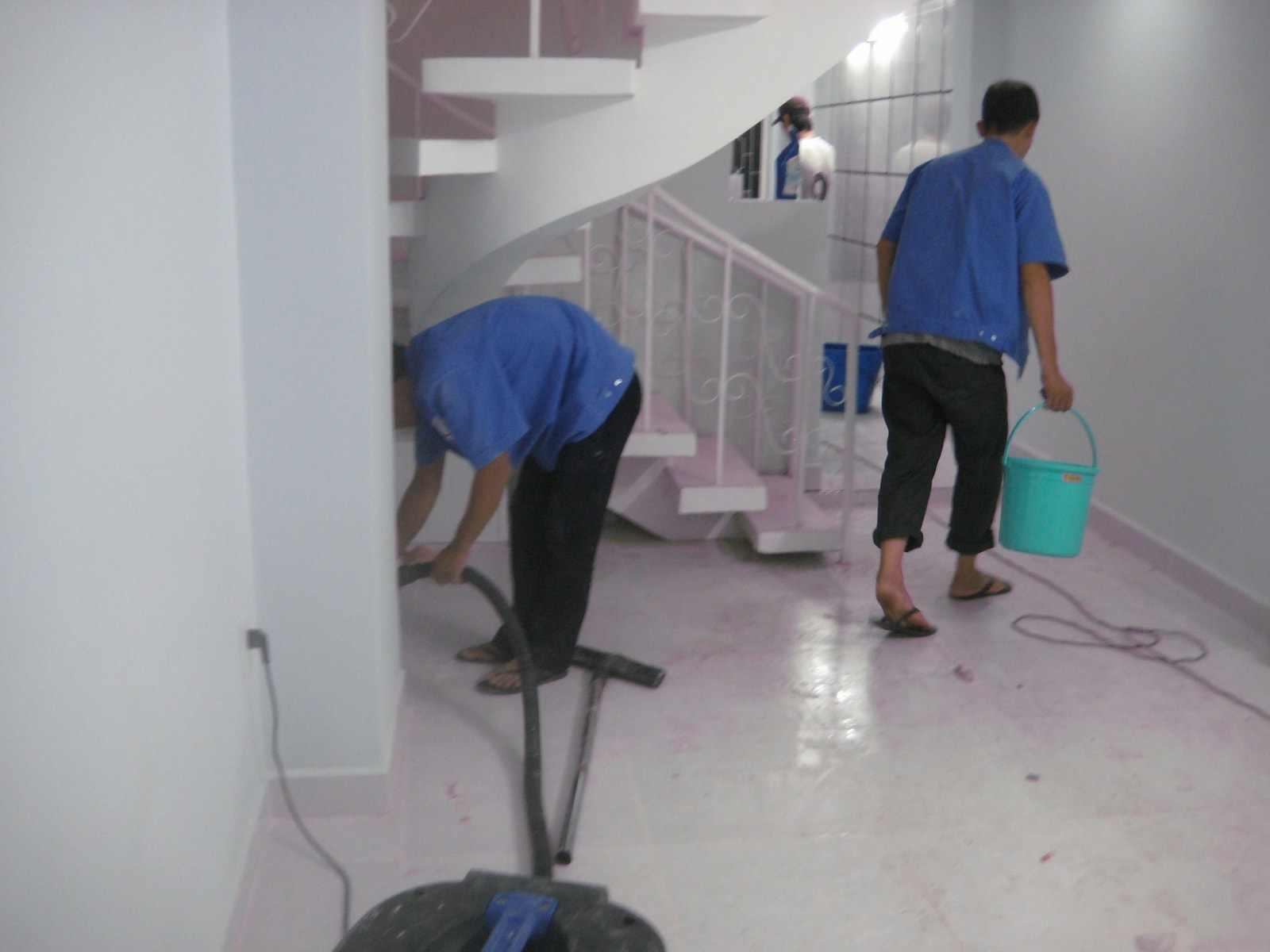 Quy trình vệ sinh sàn - dịch vụ vệ sinh nhà ở sau xây dựng GIA ĐÌNH