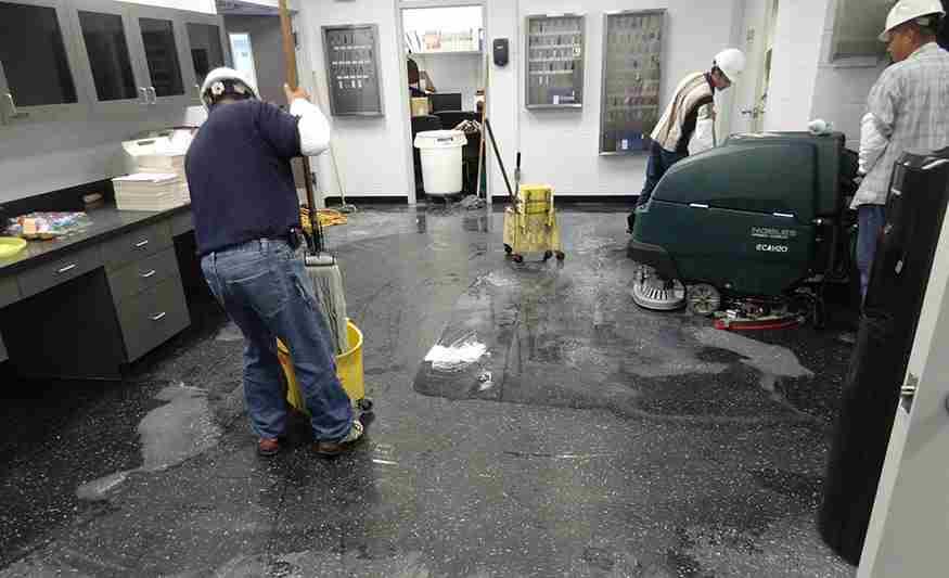 Dịch vụ vệ sinh sàn nhà xưởng