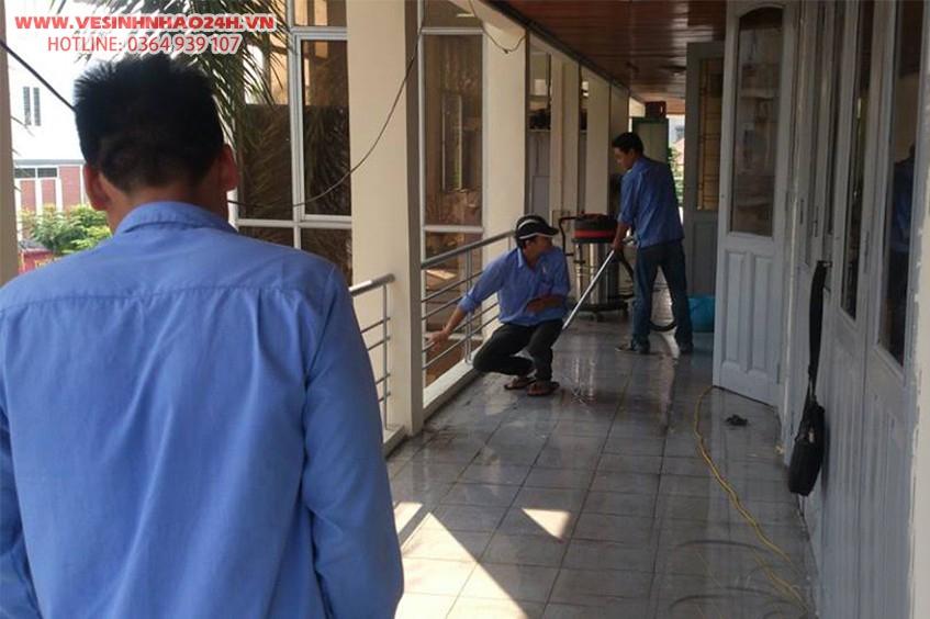 Dịch vụ vệ sinh nhà cửa chuyên nghiệp - Uy tín